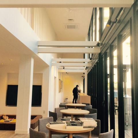 コンテナハウスを活用したイベント施設 NEXTDOOR の内装