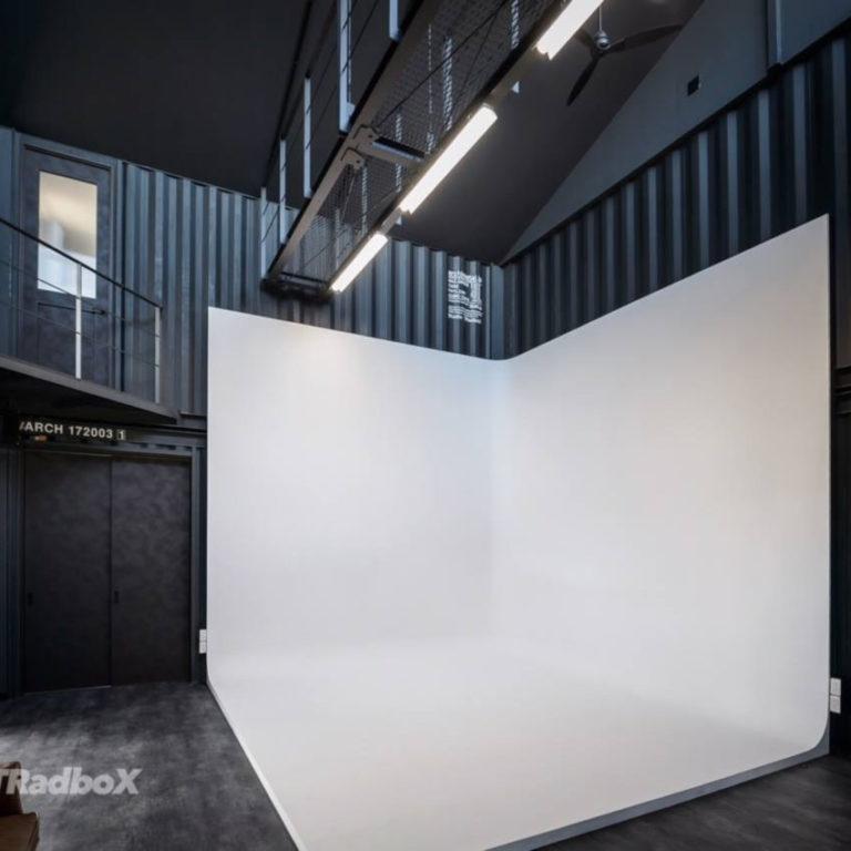 コンテナハウスの撮影スタジオ 内装